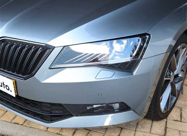 ŠKODA Superb Break 2.0 TDI SPORTLINE DSG completo